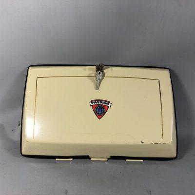 01-7038 Batteriekasten-Deckel mit Schloß und Dichtung Tatran-1